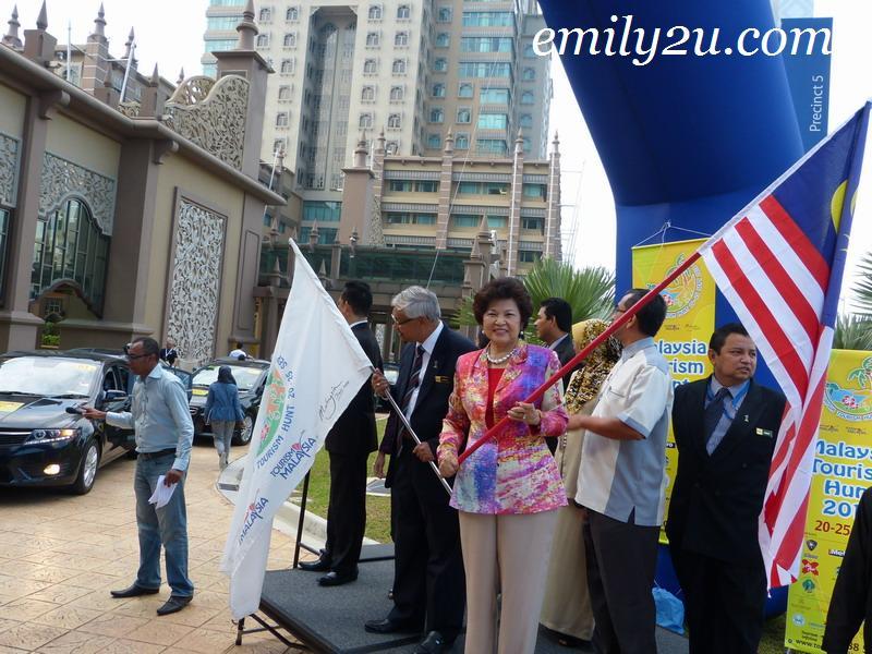 1 Malaysia Tourism Hunt - Karnival Kerjaya Pemuda BN Di Dataran Senawang